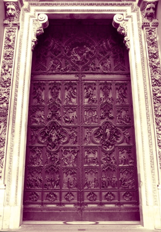 An amazing door to an amazing cathedral.